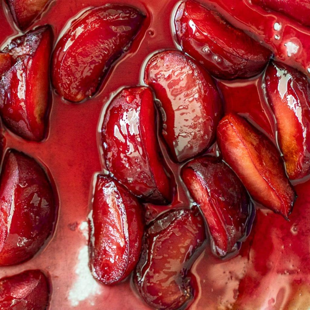 Simple Maple roasted plums
