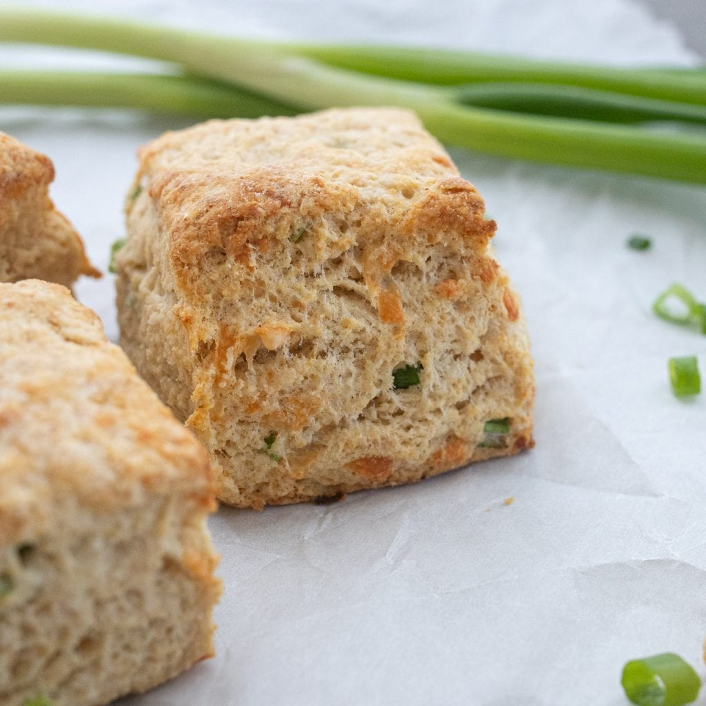 Simple Sprouted Grain Green Onion Biscuits
