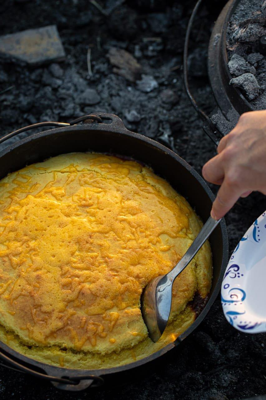 dutch oven chili and cornbread